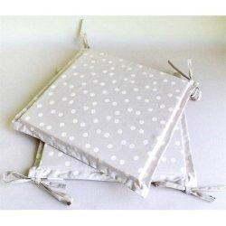 Подушка квадратная на стул «Горох»